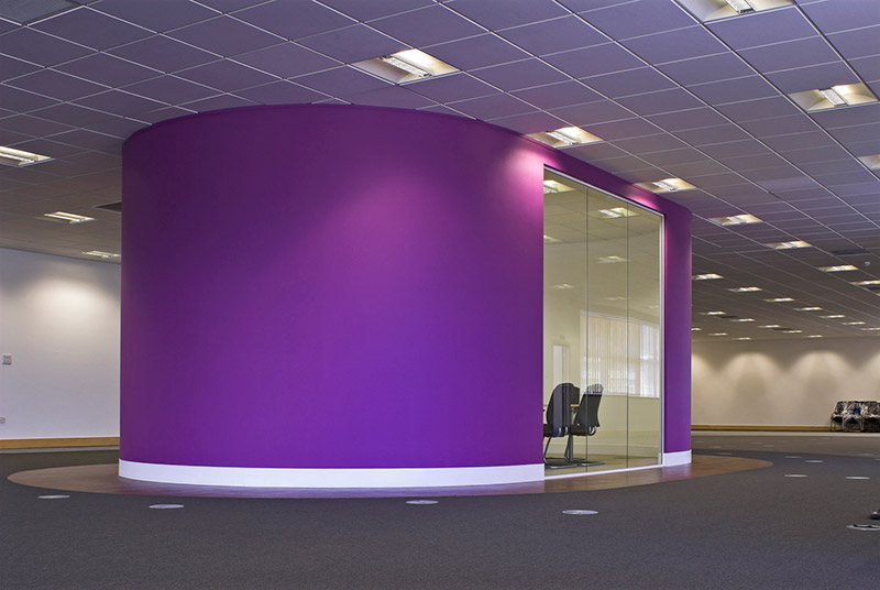 Pod partitioning with bright purple wall